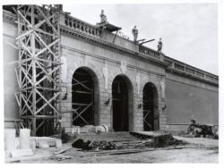 Construction of the Museum of Art, Front
