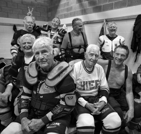 The Gray Wolves Hockey team, with (front left) John Anaghost (89) and (in Chiefs jersey) Marsh Webster (95)