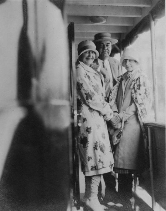 John Ringling with two women onboard The Zalophus